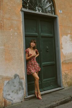Floral dresses on fashion blogger Jenny Cipoletti from Margo and Me