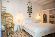 Gallery: taste the luxurious atmosphere - Hotel Ibiza Can Sastre Cozy Bar, Hotel Ibiza, Awesome Bedrooms, Lodges, Cool Stuff, Architecture, Luxury, Gallery, Inspiration