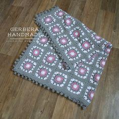 Granny Square Crochet baby blanket / Baby Girl por GerberaHandmade