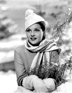 les gants et le bonnet de Rita Hayworth