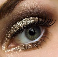 Such pretty NYE Eye makeup!