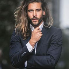 Side Part Hairstyle ❤️ Long hairstyles for men can look outstanding if the hair is styled in the proper way. Man bun, braids, half up and wedding ideas you can actually do better! That is exactly what we are going to discuss today! Side Part Hairstyles, Cool Hairstyles For Men, Haircuts For Men, Hairstyles Haircuts, Wedding Hairstyles, Hair And Beard Styles, Curly Hair Styles, Mens Long Hair Styles, Long Hair Beard