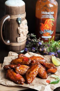 Have you ever cried of joy during a meal? Try these Crispy Honey Sriracha Wings for the best finger licking experience! Sriracha Wings, Duck Recipes, Egg Recipes, Chicken Wing Recipes, Appetizer Recipes, Appetizers, Dinner Recipes, Swagg, Chicken Wings