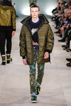 #londoncollectionsmen Jan 8-11 View-> http://intrend.fashion/index.php/london-fashion-week/fall-winter-2016-2017-menswear-fashion-shows/7583-james-long-menswear-fall-winter-2016-2017-london James Long Fall/Winter 2016/2017 Collection  #lcm