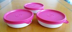 Tupperware Free Shipping New Bowl. Set of 3 (Cap.: 1 c.) Fucsia Lid and White