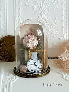 Verkochte miniaturen/Sold Out Decoupage Vintage, Barbie House, Glass Domes, Snow Globes, Shabby Chic, Jar, Ornaments, Painting, Dolls