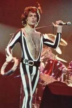 Freddie Mercury, 1976