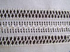 Vó Donazinha: bainha aberta Hand Embroidery Flowers, Hand Embroidery Patterns, Ribbon Embroidery, Embroidery Stitches, Drawn Thread, Thread Work, Weaving Patterns, Bargello, Cutwork