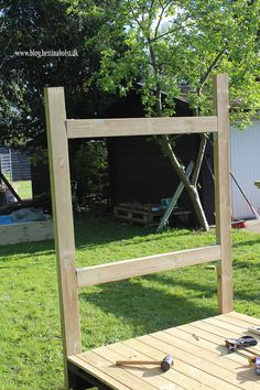 Lav dit eget shelter på hjul - Bettina Holst Blog Backyard For Kids, Ladder Decor, Shelter, Diy And Crafts, Outdoor Structures, Garden, Projects, Blog, Home Decor