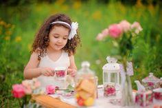 Little girl's tea party - summer photo shooting idea / Детский и семейный фотограф Мария Ковалевская