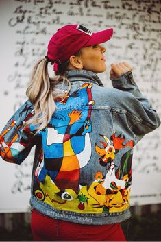 Miro Customized Denim jacket by Customised Denim Jacket, Custom Denim Jackets, Painted Denim Jacket, Painted Jeans, Painted Clothes, Denim Art, Textiles, Fall Outfits, Clothes For Women