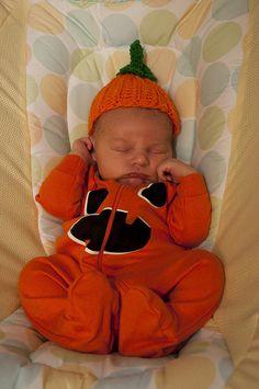305/366: Little Pumpkin -     Happy first Halloween, Julian!    Nikon D5000, f/4.5, 1/20 sec, 38mm