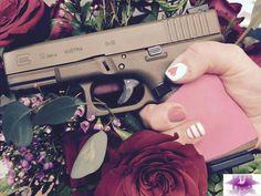 The Best Concealed Carry Guns For Women - Allgunslovers Pink Guns, Best Concealed Carry, Custom Glock, Cool Guns, Guns And Ammo, Girls Be Like, Firearms, Handgun, Revolvers