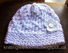 Knitting With Looms: White Spiral Hat with Removable Flower