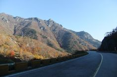 #Misiryeong Yetgil (Old Road), Gangwon Province, Korea - Driving up the Misiryeong Yetgil in the fall is one of the prettiest drives you'll ever take. More about this drive: http://cafe.daum.net/misiryeong/U00C/174 | 미시령 옛길
