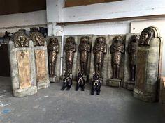 Tutankhamun statues