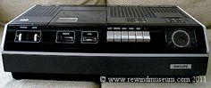 Magnétoscope Philips N1501 VCR - www.remix-numerisation.fr - Rendez vos souvenirs durables ! - Sauvegarde - Transfert - Copie - Digitalisation - Restauration de bande magnétique Audio - MiniDisc - Cassette Audio et Cassette VHS - VHSC - SVHSC - V2000 - Video8 - Hi8 - Digital8 - MiniDv - Laserdisc - Bobine fil d'acier - Micro-cassette - Digitalisation audio Cassette Vhs, Philips, General Electric, Engineering, Audio, Magnetic Tape, Restoration, Steel, Mechanical Engineering