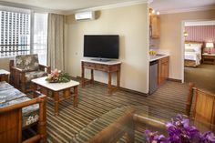 One Bedroom City View rooms at Queen Kapiolani offer ample space & comfortable accommodations  #Hawaii #Waikiki #AquaHotels
