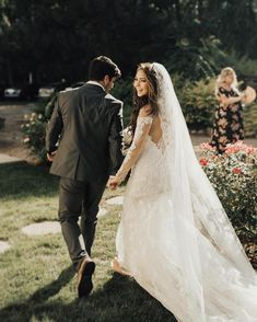 That just-married feeling! Thanks for sharing your wedding day in this glam #GalinaSiganture dress, @jademckennzie! Book your appointment to find your perfect gown via the link in our profile! #DavidsBridal Photo by @kylie_morgan_ . . Style SWG762 | Under $1,500