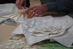 Fabric origami with Chris Palmer Fabric Origami, Origami Folding, Diy Origami, Paper Folding, Textile Fiber Art, Textile Fabrics, Draping Techniques, Art Costume, Form Design