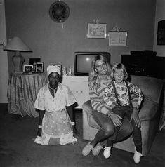 Rosalind Fox Solomon, Mother, Daughter and Maid, Johannesburg, South Africa, 1988