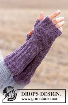 "DROPS - DROPS Handschuhe ohne Finger in ""Alpaca"" You are in the right place about handstulpen s Fingerless Gloves Knitted, Knit Mittens, Drops Design, Knitting Patterns Free, Free Knitting, Free Pattern, Magazine Drops, Mittens Pattern, Wrist Warmers"