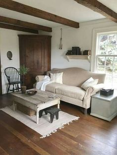 Awesome 30+ Elegant Living Rooms Design Ideas With Exposed Wooden Beams. # #LivingRoomsDesignIdeas #WoodenBeamsLivingRooms