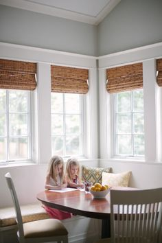 Happy Monday my dears! We& kicking it off in fine form with this fabulous home tour, as captured by Cheryl M. With two adorable, active, little girls, interior designer Laura Hollingsworth clearly had her hands a little full while designing House Blinds, House Windows, Blinds For Windows, Mini Blinds, Window Blinds, Bay Window, Roman Shades Kitchen, Bamboo Shades, Woven Shades