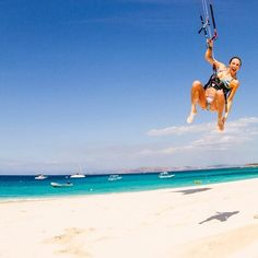 #Kitesurf in the sky. Go to Cumbuco (Brazil) http://www.itacahoteis.com.br/services-itaca-hotel-cumbuco.html