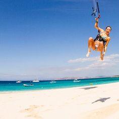 #Kitesurf in the sky. Go to Cumbuco (Brazil) http://www.itacahoteis.com.br/services-itaca-hotel-cumbuco.html