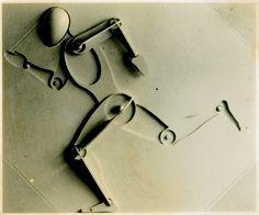 Joost Schmidt (Wunstorf, Hannover, 1893, Norimberga, 1948) Rilievo di un uomo in corsa, 1932, vintage, stampa ai sali d'argento, cm 5,8x7.
