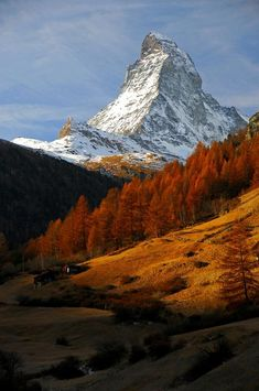 Suiza Matterhorn by Beata Bernat Beautiful World, Beautiful Places, Landscape Photography, Nature Photography, Zermatt, Mountain Photos, National Geographic Photos, Mountain Landscape, Nature Wallpaper