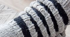 NO HOME WITHOUT YOU: WOOL SOCKS FOR HIM // VILLASUKAT MIEHELLE KOOSSA 44 Wool Socks, Friendship Bracelets, Knitting Patterns, Diy, Woolen Socks, Knit Patterns, Bricolage, Knitting Paterns