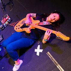 Guitar Girl, Indie Music, Auditorium, Dan, Diy And Crafts, Queen, Random, Pictures, Inspiration