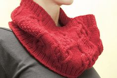 Ravelry: Exakta Cowl pattern by Stephannie Tallent