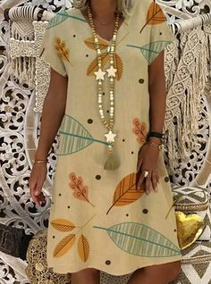Short Sleeve Dresses, Dresses With Sleeves, Short Sleeves, Mode Blog, Vacation Dresses, V Neck Dress, Fashion Prints, Types Of Sleeves, Casual Dresses