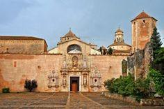 Una vista del monasterio de Santa María de Poblet, Tarragona