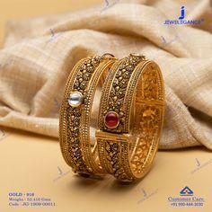Adorn the golden glamour. Gold Bangles Design, Gold Jewellery Design, Gold Jewelry, Chuda Bangles, Gold Jhumka Earrings, Gold Mangalsutra Designs, Ibaraki, Silver Bangle Bracelets, Necklace Designs