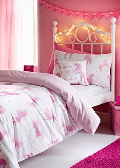 This magical Starlight the unicorn duvet cover will bring some fun to your little ones bedroom. The perfect centre piece, the pink style features a glitter...