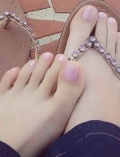 Only sexy feet – Daily Fashion Pretty Hands, Pretty Toes, Sexy Zehen, Pink Toes, Foot Pics, Feet Nails, Beautiful Toes, Cute Toes, Foot Toe