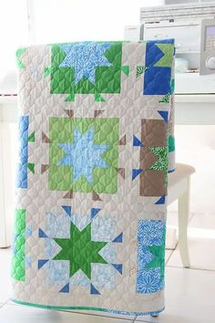 Scrap Quilt Patterns, Beginner Quilt Patterns, Modern Quilt Patterns, Modern Quilting, Star Quilt Blocks, Star Quilts, King Size Quilt, Leftover Fabric, Quilt Top