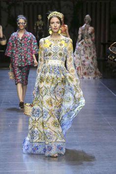 Vestiti da cerimonia lunghi 2016 - Vestito con maioliche Dolce   Gabbana  Modo Estiva Donna fe0823290ff