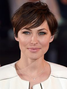 Short hairstyles: Emma Willis's short hairstyle works for oval- and heart-shaped faces.