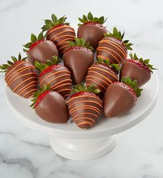 Send chocolate covered strawberries & other chocolate dipped fruit treats delivered from Shari's Berries. Over 175 million berries sold! Chocolate Covered Treats, Chocolate Dipped Strawberries, Valentines Day Cookies, Strawberry Dip, Thanksgiving Gifts, Cheesecake Bars, Food Gifts, Caramel Apples, Dessert Tables