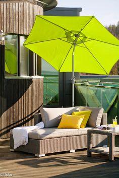 sohvapöytä,terassi,terassikalusteet,terassin sisustus,aurinkovarjo - ISKU