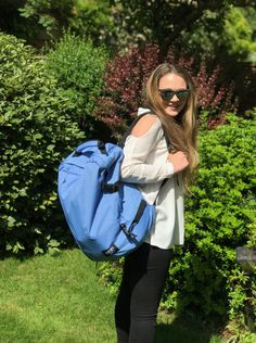A few months ago I was sent a backpack from the team at CabinZero to put to the test over summer. The idea behind the bag is that it is the perfect size to use as hand luggage on an aeroplane whilst being so light (only a mere that you can make the most… Summer Essentials, Travel Essentials, Hand Luggage, Travel Style, Bags, Purses, Carry On, Totes