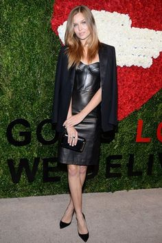 Golden Heart Awards, New York, October 16, 2014 - Josephine Skiver, accesoresed a Michael Kors pre- autumn/winter 2013 black bustier dress with a Michael Kors shawl collar jacket and black clutch