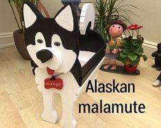 Custom madepetdogcatPlant potHolderpet toyswood by aliwoodencrafts Wooden Garden Ornaments, Pet Name Tags, Farm Fun, Wood Animal, Dog Crafts, Alaskan Malamute, Pet Memorials, Handmade Wooden, Pet Toys