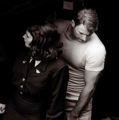 Hayley Atwell and Chris Evans Marvel Films, Marvel Art, Marvel Cinematic, Robert Evans, Chris Evans, Steven Rogers, Super Movie, Captain American, Bucky And Steve