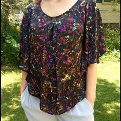 🔴Clear out🔴 Butterfly Sleeve Blouse Butterfly sleeves. Satin like material.  Pleat at neckline, single pull line (see pic). Long in the front and back.  Crazy comfortable 😆 Jack by BB Dakota Tops Blouses